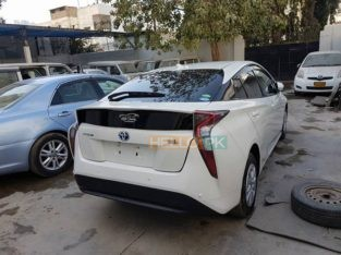 Toyota Prius 2016 New Shape Rs3,750,000 Karachi