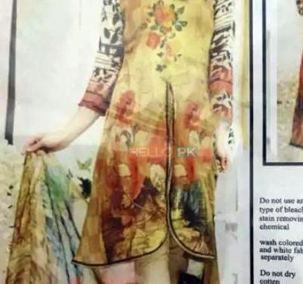 Replica suits in Multan