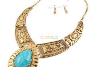 Charismatic Vintage jewellery set