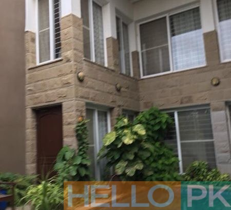 1000 yard bunglow available for sale in dha phase 8 main qasim