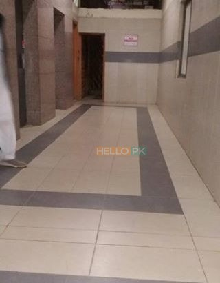 Office main shahrah e Faisal commercial building 1000 sq ft available for rent