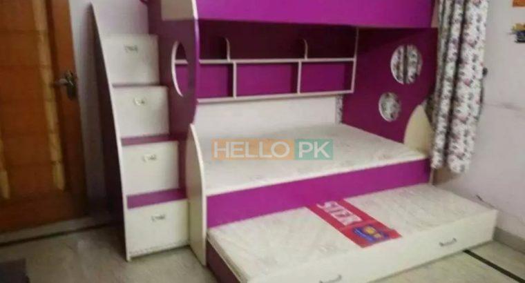 Triple bunker bed