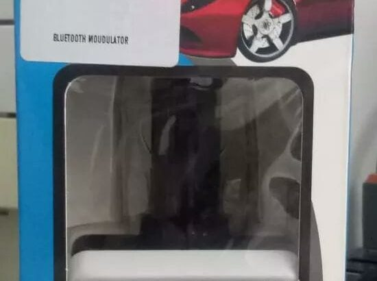 Bluetooth car kit,FM modulator.Noise reduction and echo cancellation