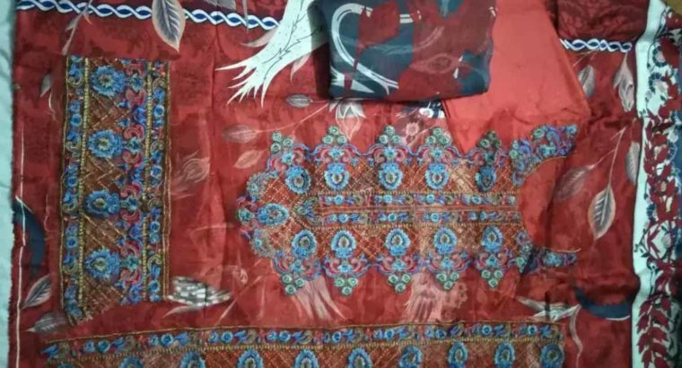 Super Quality Lawn suit Different Price brand and replica suit