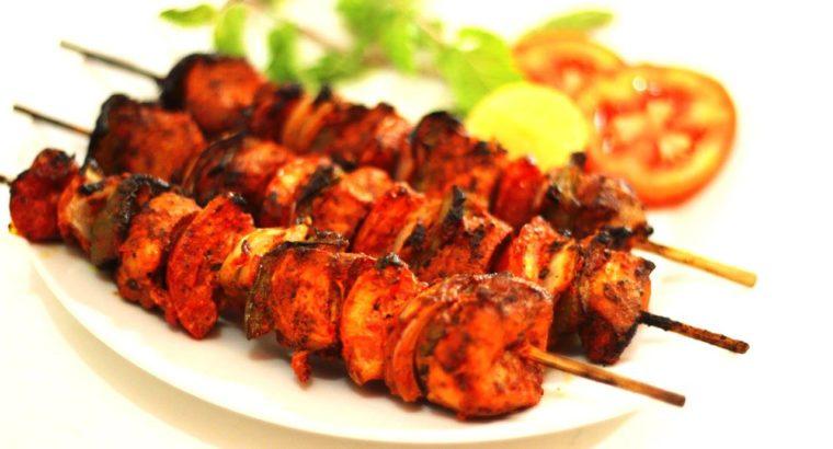 BASIC MENU Beef Biryani Chicken Karahi Naan Taftan Gajar Halwa Salad Platter Rs.220/ PH