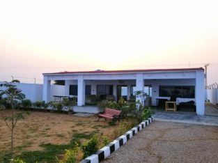 FARM HOUSES ; Plots Land on installments on Motorway M-9 Super Highway