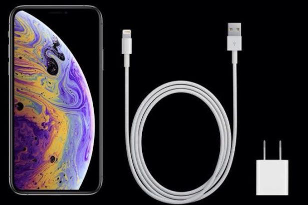 iPhone Xs max charger Box pack.Fast charger