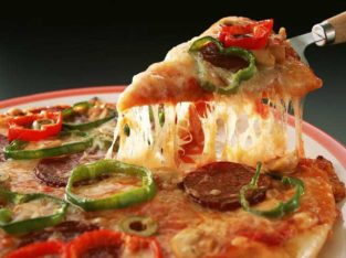 Best Yummy Pizza in Town.All karachi Delivery