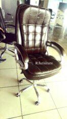 D-22 Executive office chair