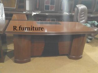 EXECUTIVE OFFICE TABLE 3/6 foot