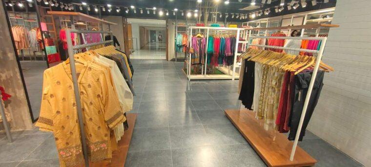 Rented corner shop on sale on installment at Mezzanine floor (above ground)